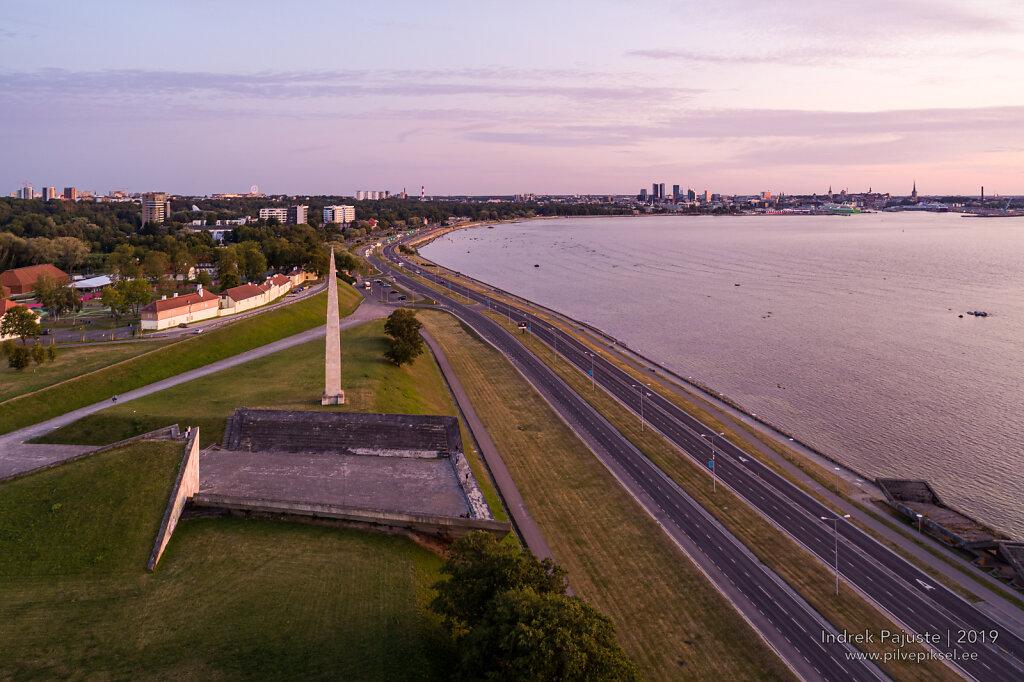 Vaade loojangul Tallinnale